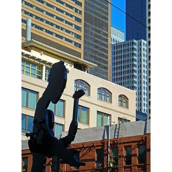 Hammeringman Seattleartmuseum Sam downtownseattle seattle kineticsculpture sculpture statue art jonathanborofsky urban urbanphotography street streetart lookingup geometry minimal upperleftusa northwestisbest pnw vancouver portland pdx sf la chicago manhattan nyc toronto london
