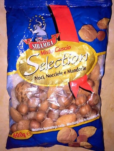 Eating Nuts Noci Nocciole Mandorle Walnuts Walnut Hazelnuts Hazelnut Almonds Almond 🔹🔹🔹😝😜😝😜