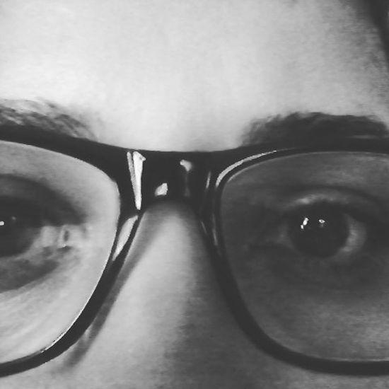 Os olhos reflete o tempo, a luz e a verdade.