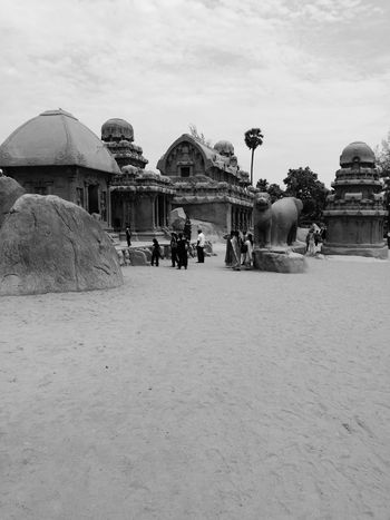 Mahabalipuram India Architecture Built Structure Large Group Of People Real People Building Exterior Lifestyles Leisure Activity Men History Sky Day Tourism Women Outdoors Travel Destinations Spirituality Vacations Ancient Civilization Place Of Worship Nature Mahabalipuram, India EyeEmNewHere