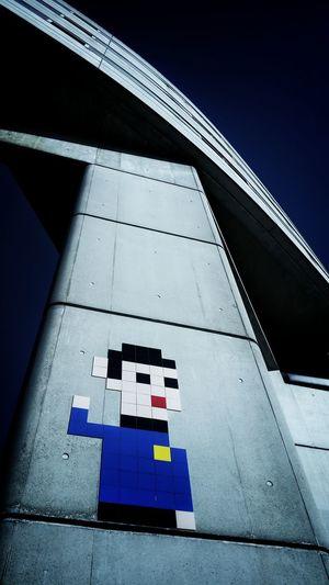 www.jorgesato.com Architecture Hello Low Angle View No People Spock Street Art