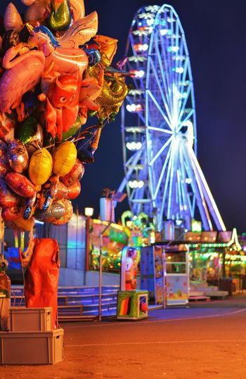 Jahrmarkt 2018 in Osnabrück Amusement Park Ride Amusement Park Night Ferris Wheel Multi Colored No People Carnival Outdoors Focus On Foreground Decoration Celebration Lighting Equipment Holiday Traveling Carnival Toy Festival Balloon Ballooning Festival Holly_photograph Jahrmarkt Kirmes Autumn Mood Holiday Moments