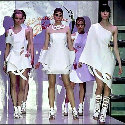 Кремлевские звезды показ мод EyeEm Gallery Popular Photos платье дизайн Fashion Popular Dress Fashion Is My Profeshion