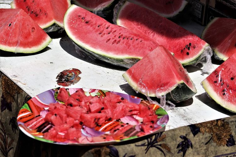Yummy water melons in Le Muy, Marché Provençal, France, Summer 2018 Peaceful Day In Saint Raphael, France, Summer 2018 Chopped Close-up Food Food And Drink Freshness Fruit Healthy Eating High Angle View Indoors  Meat Melon No People Raw Food Red Seafood Selective Focus SLICE Still Life Table Tray Vegetable Water Watermelon Wellbeing