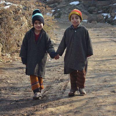 Handinhand Friendship Forever PhiranClad Kids Kasheer Kashmir Pakistan Pakistani Itravel Iphotograph IExploreKashmir IAmKashmir IAmRevo IPhotographKashmir ILoveKashmir Revoshotsphotography Revoshots Revo Rebel Freedom Kpc