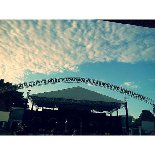 Selamat pagi bumi reyog, ponorogo. Bumireyog Ponorogo Grebeg suro Festivalreyognasional2013 Instamalang Instaponorogo Instanusantara