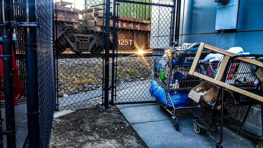 There's a pretty large homeless issue in portland at the moment. It's only going to get worse as a result of the recent mass migration here. Pdx Transient