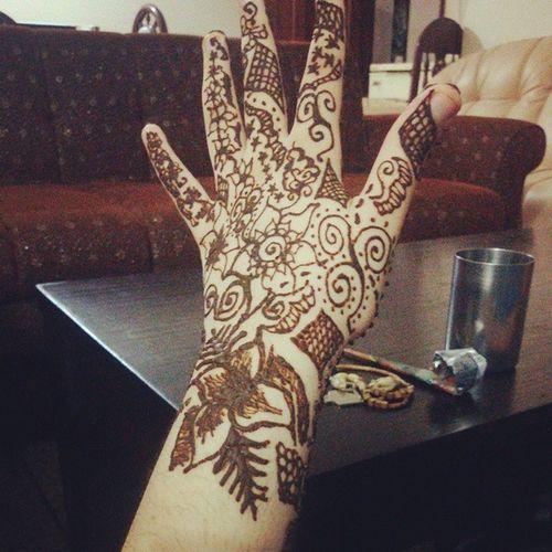 The back side. Henna Mehendi Photo Instagram eid ramzan me