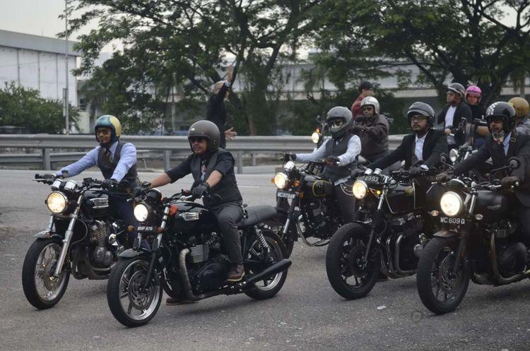 Motorcycle Biker Only Men Gentlemansride Transportation Crash Helmet Adult Adults Only Men Riding Headwear People Road Helmet Day Outdoors