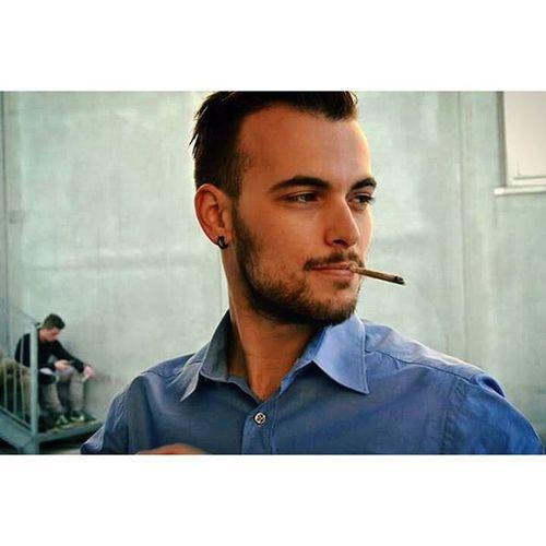 👔✊😁 Blueshirt Elegant Beard Elégance Sigarette Boy Elegantboy Lidow Vscocam Proud