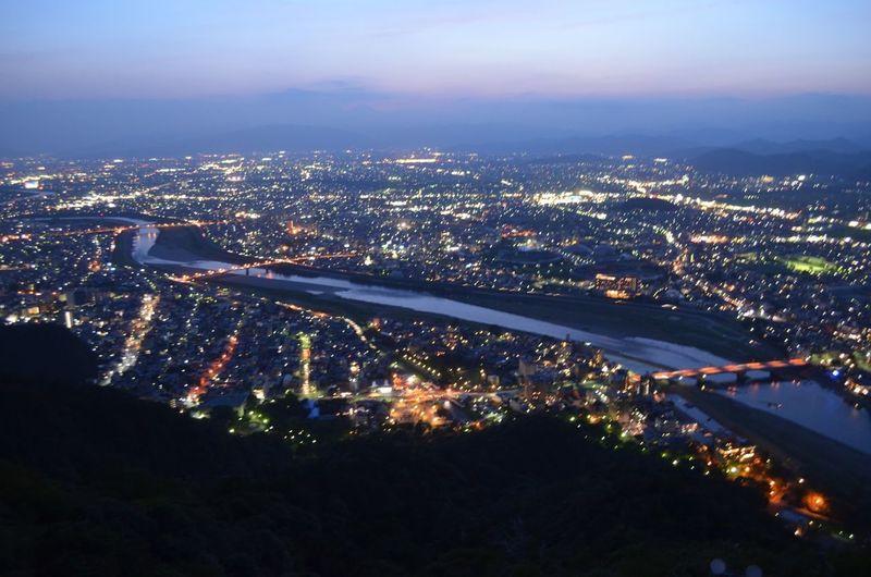 岐阜城からの夜景です。手持ち撮影だからイマイチですが。