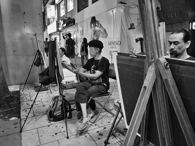 Street shoot with smart phone Huaweisg HuaweiP9 Oo The Street Photographer - 2016 EyeEm Awards