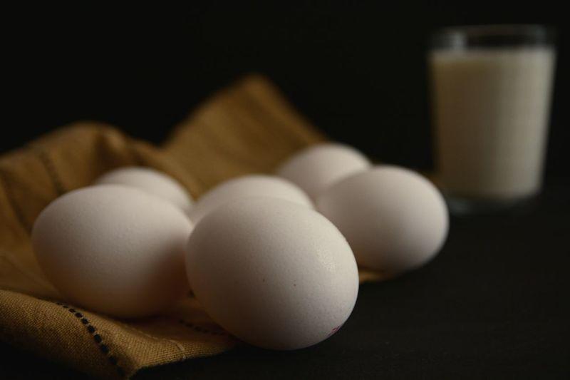 Breakfast Kitchen Eggs... Eggshell Egg Organic Healthy Brown White Darkfood Cake Milk Glass