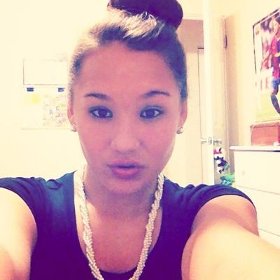 Your pearl necklace makes me miss you..<3