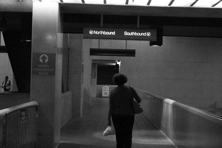 Atlanta Ga City Life Homebound Lady Marta Subway Station Train Station Tranportation