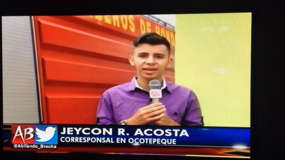 En vivo para Honduras y el mundo jeycon Acosta abriendo brecha