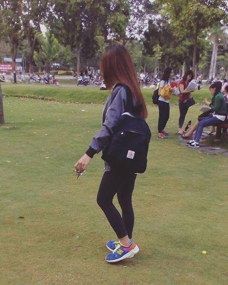 Hôm nay trời nắng chang chang Hân Hân đi học, chỉ mang chút tiền =)))) Gotoshool Sohot Sunshine Bag Shoes Longhair Overcoat Black Supercolor Crazygirl