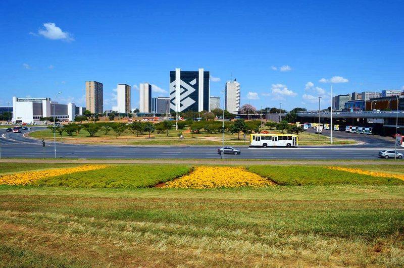 As cidades têm avenidas, mas Brasília tem um eixo que é monumental! Brasil Brasília Eixomonumental