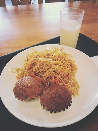 Breakfast / Noodles / Muffin