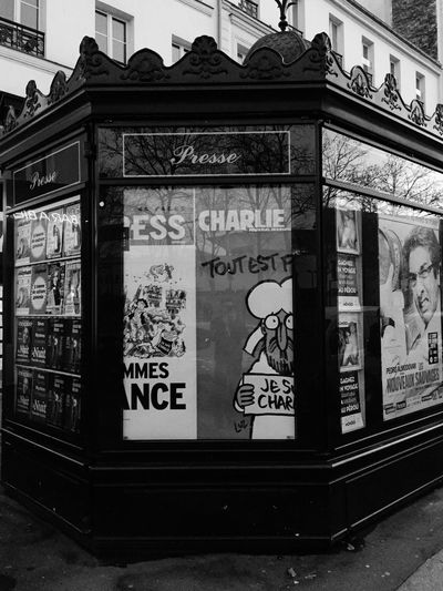 Noussommescharlie Jesuischarlie Streetphoto_bw EyeEm Best Shots - Black + White Bw_collection Black And White Blackandwhite Black & White TheMinimals (less Edit Juxt Photography) Streetphotography