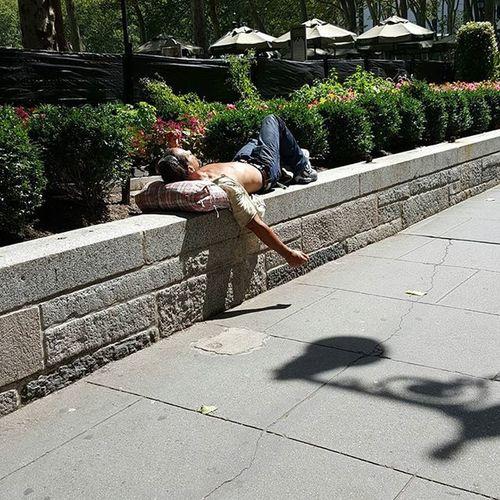 Bryantparknyc Bryantpark Nycpeople Streetportrait Streetcinema Morninglight NYC