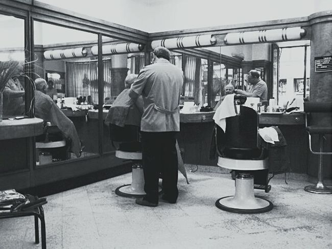 Hairdresser Hairstyles Barber Shop Barbersarehiphop Barberlife Barber Chair The Places I've Been Today First Eyeem Photo IndoorPhotography Black&white EyeEm Best Shots Balckandwhite Argentina Business Stories