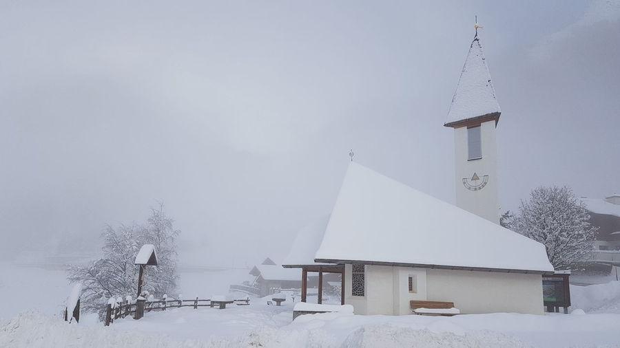 Snow Cold Temperature Winter Polar Climate Sky Architecture Landscape Frozen Foggy Ice Weather Snowcapped Deep Snow Snowing