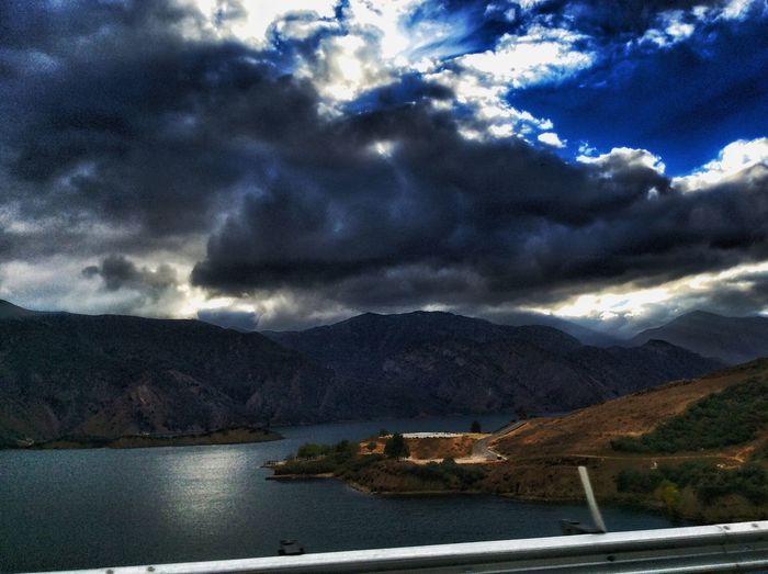 Lake Pyramid