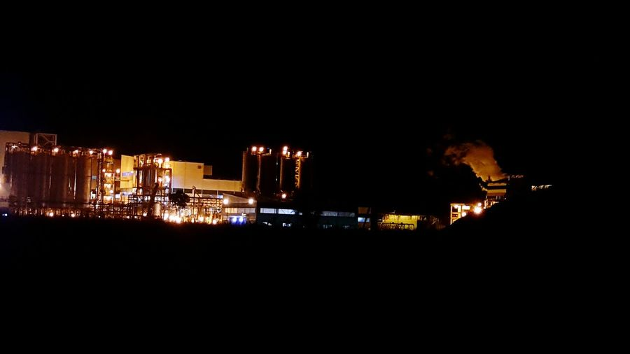 Latenight Travelling Photography Industry Lights In The Dark Chimneys Smoke Bestshot Coolshot Nightphotography EyeEm Best Shots EyeEm Gallery Gettyimagesgallery Check This Out