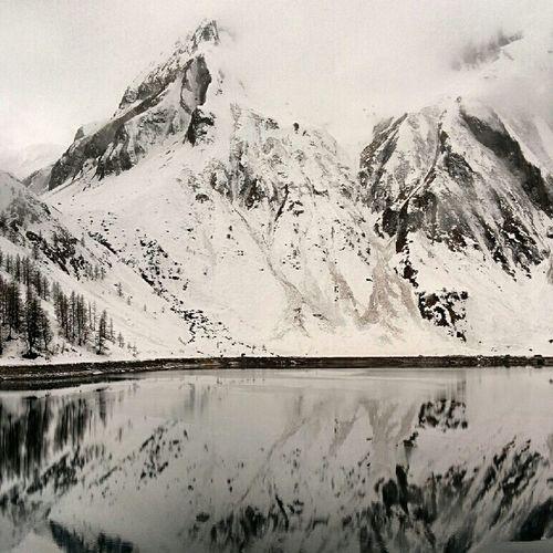 Valformazza Mountains Mountain View Alpinlake Wintertime Winterwonderland