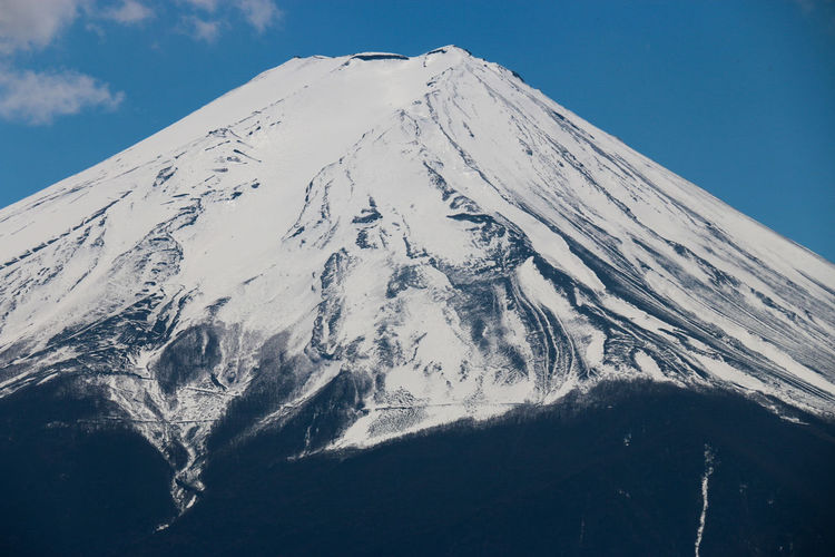 Climbed high to get a better view of moumtain Fuji. Art Is Everywhere Cloud - Sky Outdoors Fuji Daily Project Taking Photos EyeEm Gallery Travel Destinations Beauty In Nature Volcanic Landscape Snowcapped Mountain Landscape Nature Mountain Peak Snow Mountain Fujisan 富士山 Perspectives On Nature