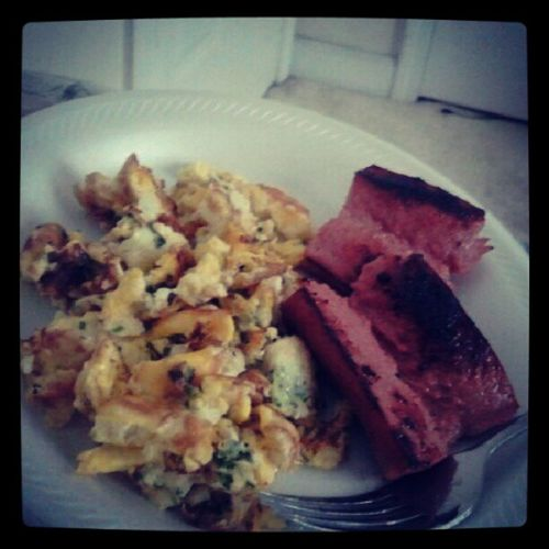 Shawty brung me breakfast in bed. and this Turkey sausage NoSwine Kingshit Power 7 /28/13