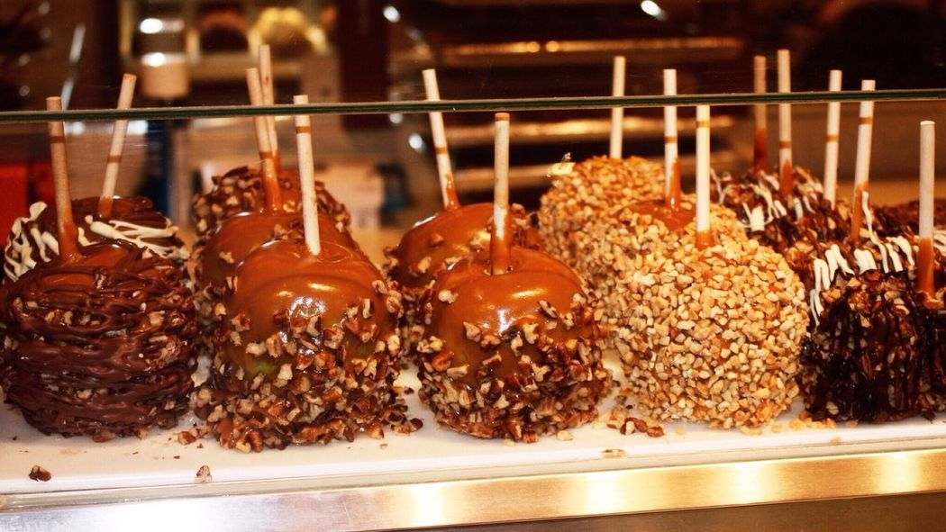 Food Food Porn Awards Caramel Apple Nuts Sweet Dessert Caramel Apples Chocolate Lollipop