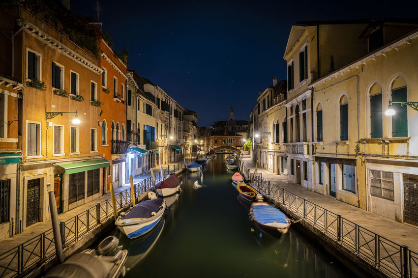 Nature Gondola - Traditional Boat Canal Mode Of Transportation Transportation Building Exterior Water Illuminated Architecture Built Structure Travel Destinations Night Travel City Tourism Moored Nature Reflection Outdoors