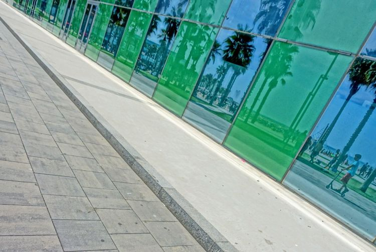 SPAIN Clear Sky Outdoors Green Color Transportation Water Day No People Tranquility Footpath (null)Sea Vacations Beach Barcelona Barcelona, Spain Barcelona♡♥♡♥♡ Barcelonalove Barcelona España Palmen Reflection Reflections Sky Sonycybershot Sonyphotography