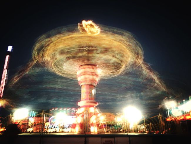 Action Shot  At The Fair In Motion Q : Quick Glitch