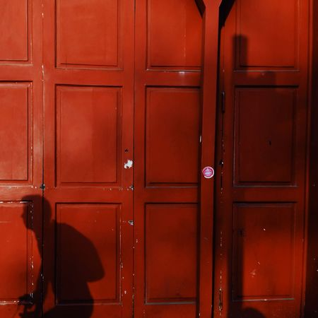 Playing around. ( Shadow)VSCO Vscox Streetphotography Lima Perú Red Backgrounds Stories From The City
