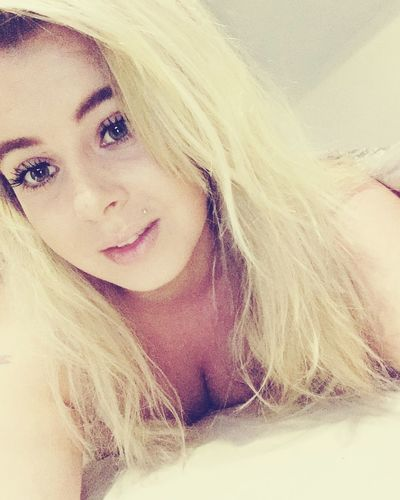 Selfies 💕💙 Girl Port Beautiful Selfe Blonde