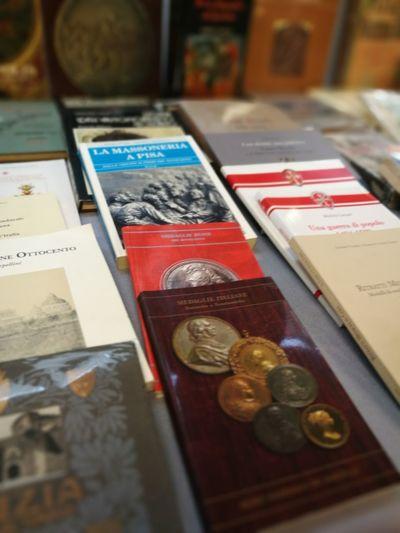 FIERA DEL.COLLEZIONISTA . PISA Collection Collecting Spanps Francobolli