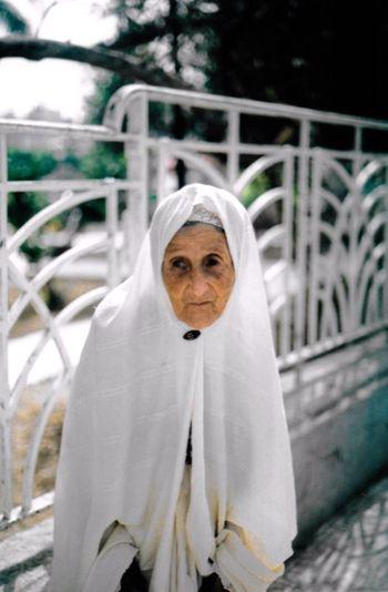 Khalti Fatma Kolea Flaneur Travelling Streetphotography Algeria Film Photography 35mm Film Filmcamera Woman Algeria 2015