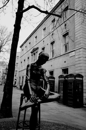 Streetphotography Blackandwhite Art Claunch 72 Monochrome Film Black And White London Monochrome Streetphoto_bw Monoart Covent Garden  Eye4photography  Ee_daily Bw_collection