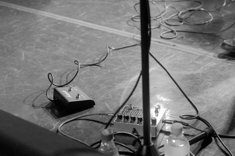 Phtographydocumentary Show Poesia Nikon D7000 P&B Fotografia BP Pretoebranco Guitarra Thebrisantinos Brackandwhite Nikonphotography Fotografiaéarte Victornatureza Vitaonatureza Olharnatural Nikon Rock Guitar Photography Music Musica Photoart