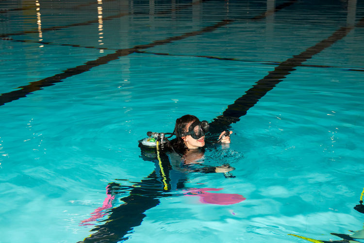 Diving Equipment Instructor Scuba Diving Divingphotography Fins Pool Regulator Scuba Diver Scuba Diving Course Teach Teenage Girls