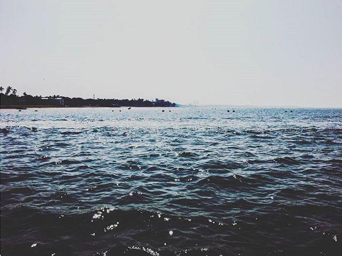 A Q U A H OL I C 🌊 Ocean Beachday Beach Sea Waves Aquaholic Bluewater Beautifulday Marve Things2doinmumbai Mumbaiinstagrammers Mumbai_lifestyle Bluesky Mybestphoto2015
