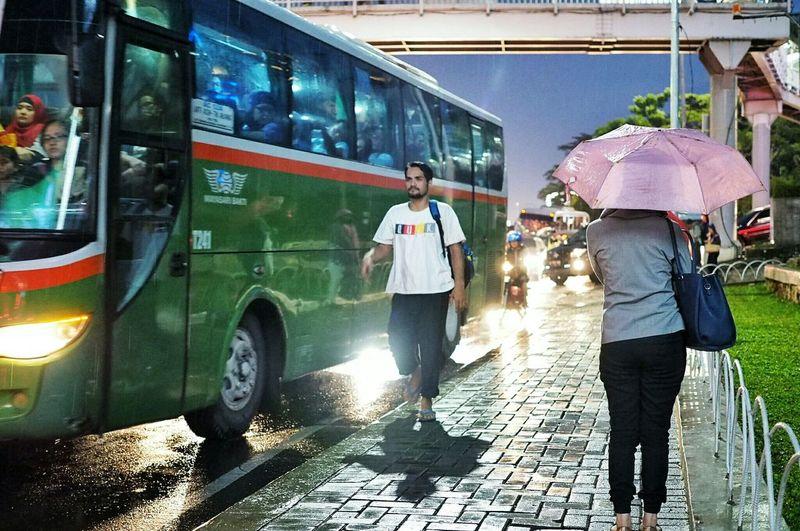 Jakarta, 2016 Jakarta Indonesia EyeEm Indonesia Jakarta JakartaStreet Jakartastreetphotography Umbrella Nightphotography