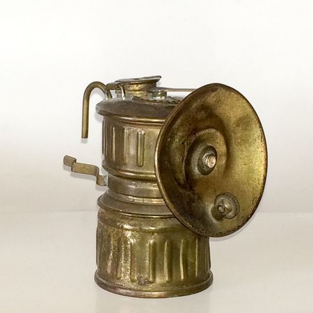 Super Retro, carbide miners lamp, brass colored lamp, wick, hooks for hanging on helmet