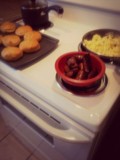 #Sunday Breakfast, Im The Best Girlfriend, Bestfriend, Nd Daughter Ever! ت