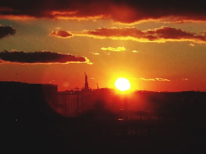 Sunset Statuteliberty