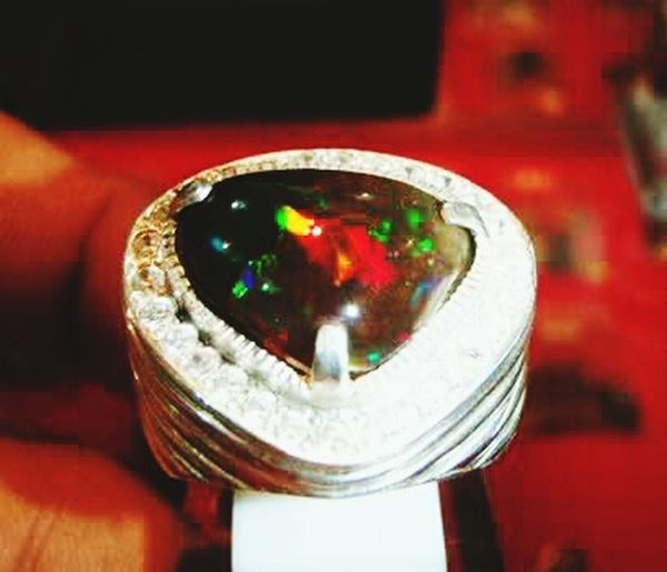 Handmade Jewellery Naturalstone Black Opal Gemstones Color Stones Rainbow Colors Indonesia Traditional Wonderful Indonesia