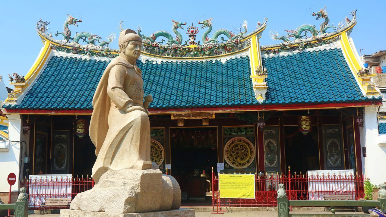 STATUE OF TEMPLE
